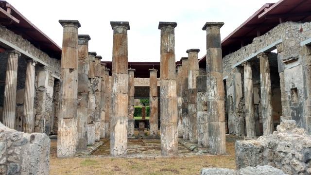 Pompeii Columned Villa